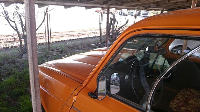 Renault 4 -4.JPG